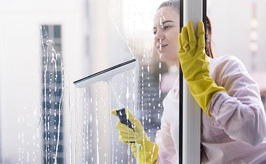 Limpieza de Vidrios - Compañía de Aseo y Servicios Integrales - CAIS